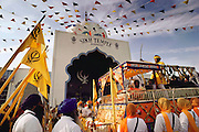 USA_SIKH_06_xs.Sikh festival parade at the Sikh Temple, Yuba City, California..