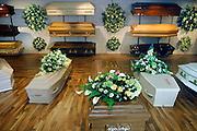Nederland, Rijkevoort, 20-6-2007..Showroom van een uitvaartbedrijf,begrafenisondernemer, met het assortiment doodskisten...Foto: Flip Franssen