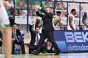 DESCRIZIONE : Campionato 2013/14 Finale GARA 4 Montepaschi Mens Sana Siena - Olimpia EA7 Emporio Armani Milano<br /> GIOCATORE : Marco Crespi<br /> CATEGORIA : Time Out Mani<br /> SQUADRA : Montepaschi Siena<br /> EVENTO : LegaBasket Serie A Beko Playoff 2013/2014<br /> GARA : Montepaschi Mens Sana Siena - Olimpia EA7 Emporio Armani Milano<br /> DATA : 21/06/2014<br /> SPORT : Pallacanestro <br /> AUTORE : Agenzia Ciamillo-Castoria / Claudio Atzori<br /> Galleria : LegaBasket Serie A Beko Playoff 2013/2014<br /> Fotonotizia : DESCRIZIONE : Campionato 2013/14 Finale GARA 4 Montepaschi Mens Sana Siena - Olimpia EA7 Emporio Armani Milano<br /> Predefinita :