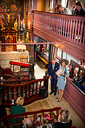 Koningin Máxima bij opening vernieuwd Museum Ons' Lieve Heer op Solder. De restauratie en herinrichting van het zeventiende-eeuwse huis met de verborgen zolderkerk is afgerond en het museum heeft een nieuw entreegebouw.Het museum staat in het centrum van de Amsterdamse Wallen<br /> <br /> Queen Máxima of opening renewed Ons' Lieve Heer op Solder. The restoration and refurbishment of the seventeenth century house with the hidden attic church was completed and the museum has a new entrance building. The museum is in the center of Amsterdam's Red Light District<br /> <br /> op de foto / On the photo: Aankomt Koningin Maxima / Arrival Queen Maxima