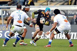 Wasps captain James Haskell in attack - Photo mandatory by-line: Patrick Khachfe/JMP - Mobile: 07966 386802 14/12/2014 - SPORT - RUGBY UNION - High Wycombe - Adams Park - Wasps v Castres Olympique - European Rugby Champions Cup