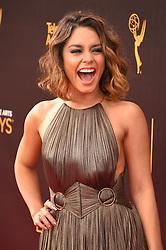 Vanessa Hudgens bei der Ankunft zur Verleihung der Creative Arts Emmy Awards in Los Angeles / 110916 <br /> <br /> *** Arrivals at the Creative Arts Emmy Awards in Los Angeles, September 11, 2016 ***