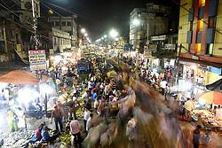 April 29, 2017 - Kolkata, India - A view of the wholesale vegetable market in Kolkata on April 30,2017 in India. (Credit Image: © Debajyoti Chakraborty/NurPhoto via ZUMA Press)