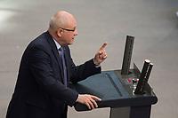 19 MAR 2015, BERLIN/GERMANY:<br /> Volker Kauder, MdB, CDU, CDU/CSU Fraktionsvorsitzender, haelt eine Rede, waehrend der Bundestagsdebatte nach der Abgabe einer Regierungserklaerung durch die Bundeskanzlerin zum Europaeischen Rat, Plenum, Deutscher Bundestag<br /> IMAGE: 20150319-01-089<br /> KEYWORDS: speech