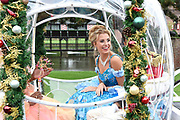 Presentatie The Christmas Show 2018 op kasteel Haarzuilens. Aankomende kerstvakantie is de familievoorstelling The Christmas Show voor de vierde keer te zien in de Amsterdamse Ziggo Dome. <br /> <br /> Op de foto:  Buddy Vedder als prins Noahen en Celinde Schoenmaker als Assepoester