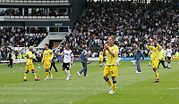 Photo: Steve Bond.<br />Derby County v Leeds United. Coca Cola Championship. 06/05/2007. Leeds United players acknowledge their fans