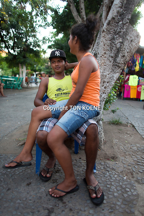couple in love in nicaragua