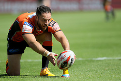 Castleford Tigers Luke Gale places the ball during the Ladbrokes Challenge Cup, quarter final match at the KCOM Stadium, Hull. PRESS ASSOCIATION Photo. Picture date: Sunday June 18, 2017. See PA story RUGBYL Hull. Photo credit should read: Richard Sellers/PA Wire. RESTRICTIONS: Editorial use only. No commercial use. No false commercial association. No video emulation. No manipulation of images.