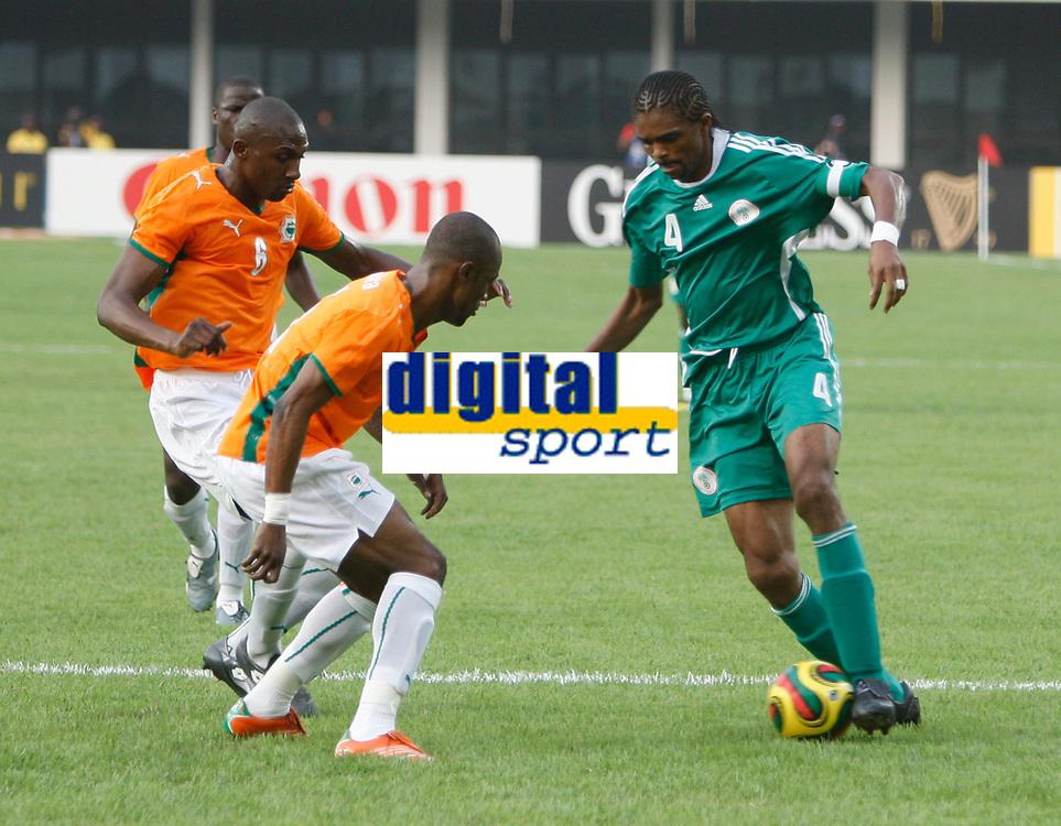 Photo: Steve Bond/Richard Lane Photography.<br />Nigeria v Ivory Coast. Africa Cup of Nations. 21/01/2008. Kanu (R) takes on 3 defenders