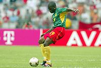 FOTBALL - CONFEDERATIONS CUP 2003 - GROUP B - KAMERUN V TYRKIA - 030621 - ERIC DJEMBA (CAM) - PHOTO STEPHANE MANTEY / DIGITALSPORT