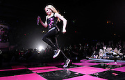 Avril Lavigne -- Nassau Veterans Memorial Coliseum, Uniondale, NY
