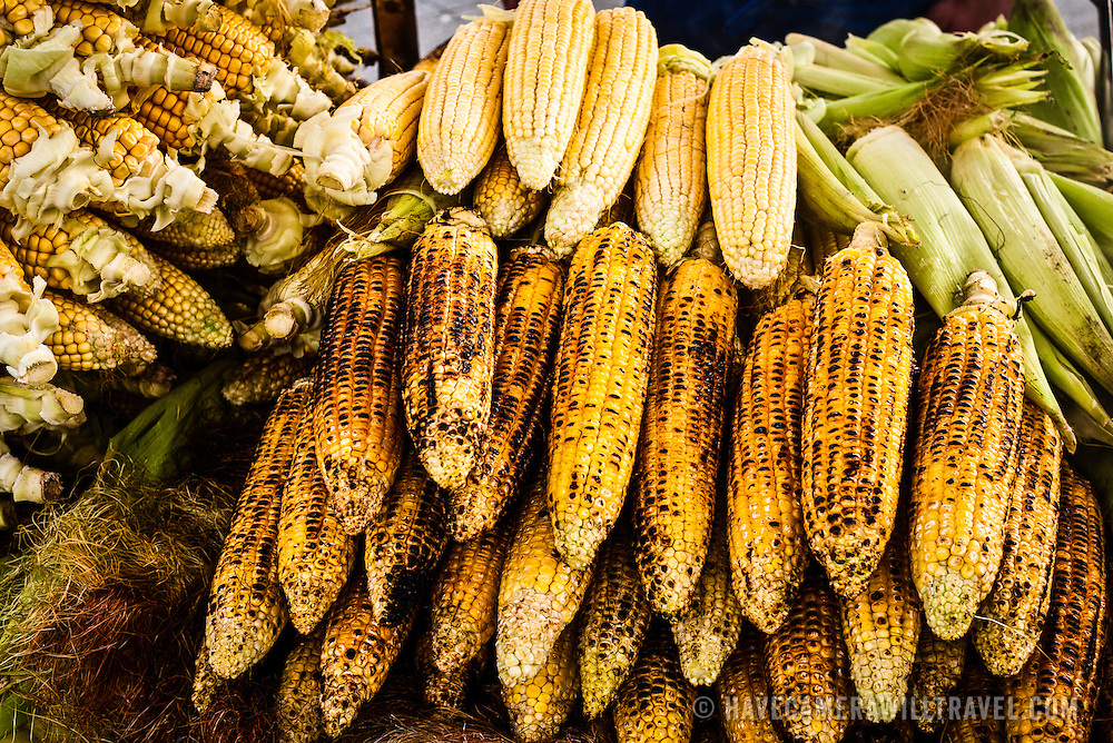 Grilled corn being sold by a street vendor in Istanbul
