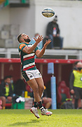 Leicester Tigers fly-half Zack Henry catches a high ball during a Gallagher Premiership Round 10 Rugby Union match, Friday, Feb. 20, 2021, in Leicester, United Kingdom. (Steve Flynn/Image of Sport)
