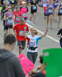 01-11-2015 USA: NYC Marathon We Run 2 Change Diabetes day 4, New York<br /> De dag van de marathon, 42 km en 195 meter door de straten van Staten Island, Brooklyn, Queens, The Bronx en Manhattan / Sasja