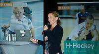 AMSTERDAM - Tischa Neve tijdens het KNHB Symposium Train de Trainer, voor trainer, coach , begeleider binnen het aangepaste hockey. Dit alles in het Ronald MacDonald Centre in Amsterdam. COPYRIGHT KOEN SUYK