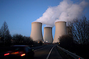 Temelin/Czech Republic, CZE, 11.12.06: View on exhalation of Temelin NPS cooling towers during later evening.