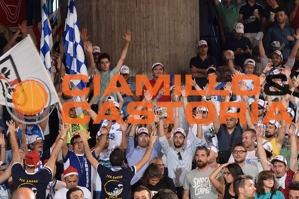 DESCRIZIONE : Reggio Emilia Lega A 2014-15 Grissin Bon Reggio Emilia - Banco di Sardegna Dinamo Sassari playoff Finale gara 5 <br /> GIOCATORE : Tifosi Banco di Sardegna Sassari<br /> CATEGORIA : Tifosi Low<br /> SQUADRA : Banco di Sardegna Sassari<br /> EVENTO : LegaBasket Serie A Beko 2014/2015<br /> GARA : Grissin Bon Reggio Emilia - Banco di Sardegna Dinamo Sassari playoff Finale  gara 1<br /> DATA : 22/06/2015 <br /> SPORT : Pallacanestro <br /> AUTORE : Agenzia Ciamillo-Castoria / Richard Morgano<br /> Galleria : Lega Basket A 2014-2015 Fotonotizia : Reggio Emilia Lega A 2014-15 Grissin Bon Reggio Emilia - Banco di Sardegna Dinamo Sassari playoff Finale  gara 5<br /> Predefinita :