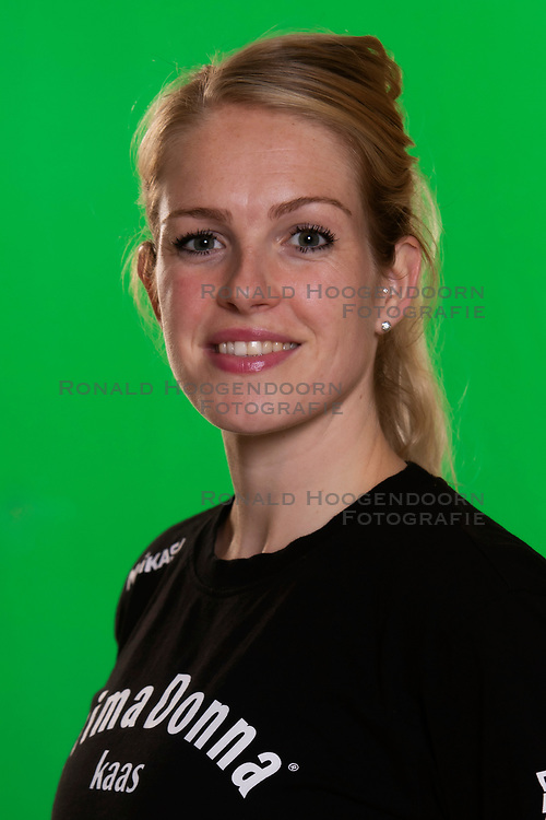 10-09-2018 NED: Team PDK Huizen season 2018-2019, Huizen<br /> The players of Top Division club vv Huizen women season 2018-2019 / Fysiotherapeut Melany Arends of PDK Huizen