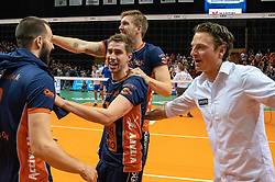 12-05-2019 NED: Abiant Lycurgus - Achterhoek Orion, Groningen<br /> Final Round 5 of 5 Eredivisie volleyball, Orion wins Dutch title after thriller against Lycurgus 3-2 / Pim Kamps #7 of Orion, Joris Marcelis #4 of Orion, Coach Martijn van Goeverden of Orion