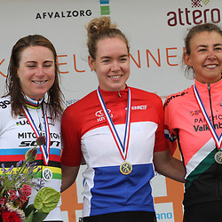 22-08-2020: Wielrennen: NK vrouwen: Drijber<br /> Anna van der Breggen Nederlands kampioen voor Annemiek Van Vleuten (Netherlands / Team Mitchelton Scott) en Anouska Koster (Netherlands / Team Parkhotel Valkenburg)