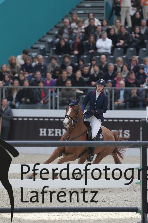 Sulz, Denise, Flotte Deern<br /> Paris - Saut Hérmes 2013<br /> © www.sportfotos-lafrentz.de/Stefan Lafrentz