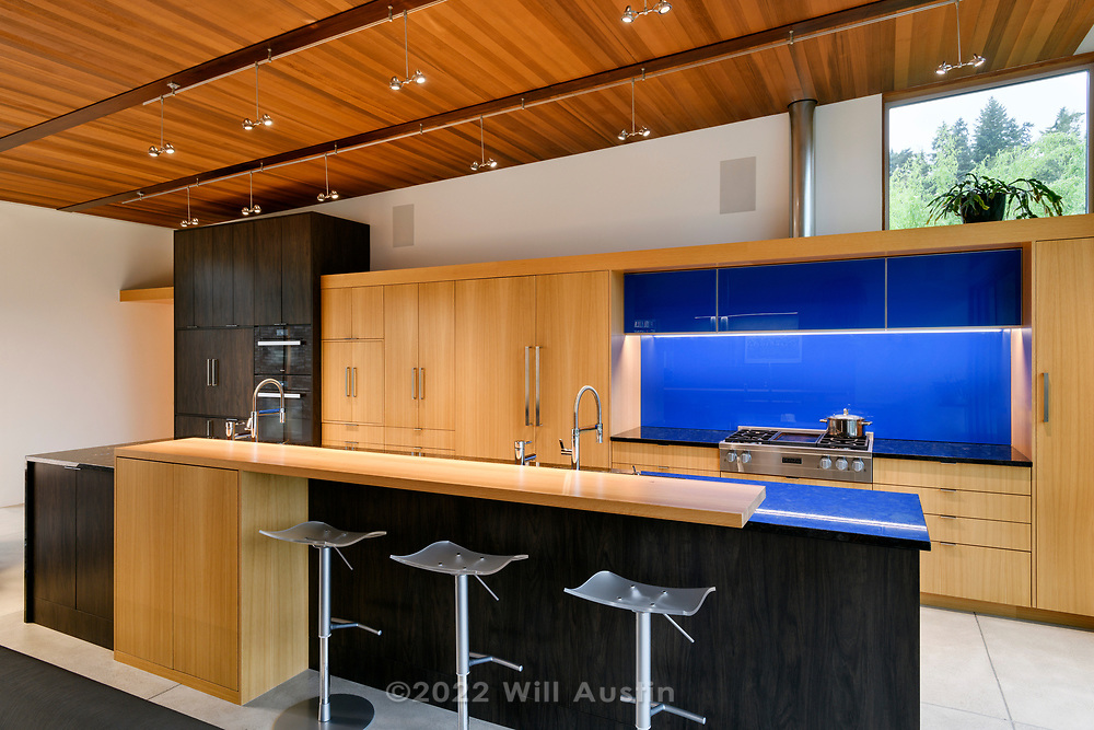 Home designed by Lane Williams Architects and built by Weitzel Construction.