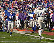 Kansas State running back Leon Patton (41) sprints down the sideline for a 44-yard touchdown in the second quarter at Memorial Stadium in Lawrence, Kansas, November 18, 2006.  Kansas beat K-State 39-20.<br />
