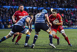 Scarlets' Steven Cummins in action - Mandatory by-line: Craig Thomas/Replay images - 31/12/2017 - RUGBY - Cardiff Arms Park - Cardiff , Wales - Blues v Scarlets - Guinness Pro 14