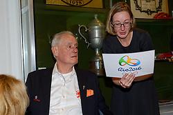 12-12-2015 NED: Bondsvergadering Nevobo, Nieuwegein<br /> Hans Nieukerke is vandaag benoemd tot erevoorzitter van de Nevobo. De 73-jarige Nieukerke ontving in het Huis van de Sport deze eer bij het afscheid van zijn twaalfjarig voorziterschap en kreeg de unieke gouden bondsspeld met drie briljanten opgespeld / Hans Nieukerke en Joelle Staps