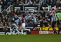 Photo: Andrew Unwin.<br /> Newcastle United v West Ham United. The Barclays Premiership. 20/01/2007.<br /> West Ham celebrate their second goal.
