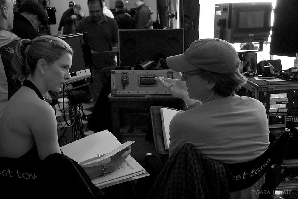 "Tea Leoni, David Koepp, on the set of ""Ghost Town"" (Dir: David Koepp, 2008)"