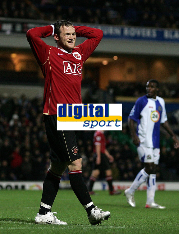 Photo: Paul Thomas.<br /> Blackburn Rovers v Manchester United. The Barclays Premiership. 11/11/2006.<br /> <br /> Wayne Rooney can't believe he misses a good chance to score.