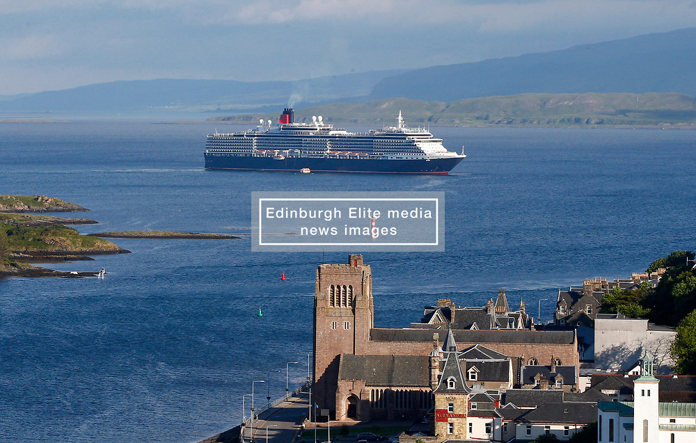 Cunard liner MS Queen Victoria visiting Oban on the west coast of Scotland bringing 2081 passengers and 935 crew to the town to enjoy everything Oban has to offer........ (c) Stephen Lawson   Edinburgh Elite media