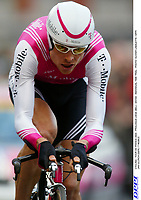 CYCLING - TOUR DE FRANCE 2004 - PROLOGUE LIEGE (BEL) - 3/07/04 - INDIVIDUAL TIME TRIAL - PHOTO: OLIVIER LABALETTE / DPPI<br />JAN ULLRICH (GER) / T MOBILE