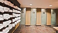 SPIJK - Kleedkamer  met douches van de heren, Golfbaan THE DUTCH, COPYRIGHT KOEN SUYK