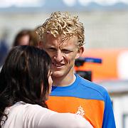 NLD/Katwijk/20100831 - Training Nederlands Elftal kwalificatie EK 2012, Dirk Kuyt met partner Gertrude