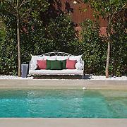 Modern Pool 640