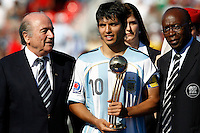 WORLD CUP U20 CHAMPION CELEBRATION <br /> ARGENTINA its the new u20 Soccer football FIFA Champion, after beat 2-1 in the final match the CZECH Republic (CZE) team ; in Toronto, Canada 22/07/07<br /> Argentine player SERGIO AGUERO receiving from FIFA Joseph Blatter the trophy of the best player.<br /> © Gabriel Piko / PikoPress