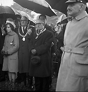 The State Funeral of William. T. Cosgrave, former President of the Executive Council of the Irish Free State, took place at the Church of the Annunciation, Rathfarnham, to Golden Bridge Cemetery. Ald. Michael J. McGuinness, Mayor of Kilkenny, and Patrick O'Mahony, President of the Association of Municipal Authorities, at the graveside..18.11.1965