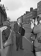 Albert Reynolds Presents Budget   (R95)..1989..25.01.1989..01.25.1989.25th January 1989..Today saw the presentation of the Budget of Albert Reynolds,TD, Minister for Finance. Mr Reynolds will present his budget to the Dáil this afternoon..Image shows Mr Reynolds arriving at the Department of Finance prior to going to the Dáil to present his budget speech. In his hand is the briefcase which contains the final details of the budget.