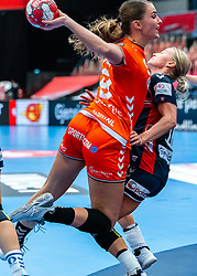 Bo van Wetering of Netherlands, Stine Bredal Oftedahl of Norway in action during the Women's EHF Euro 2020 match between Netherlands and Norway at Sydbank Arena on december 10, 2020 in Kolding, Denmark (Photo by RHF Agency/Ronald Hoogendoorn)
