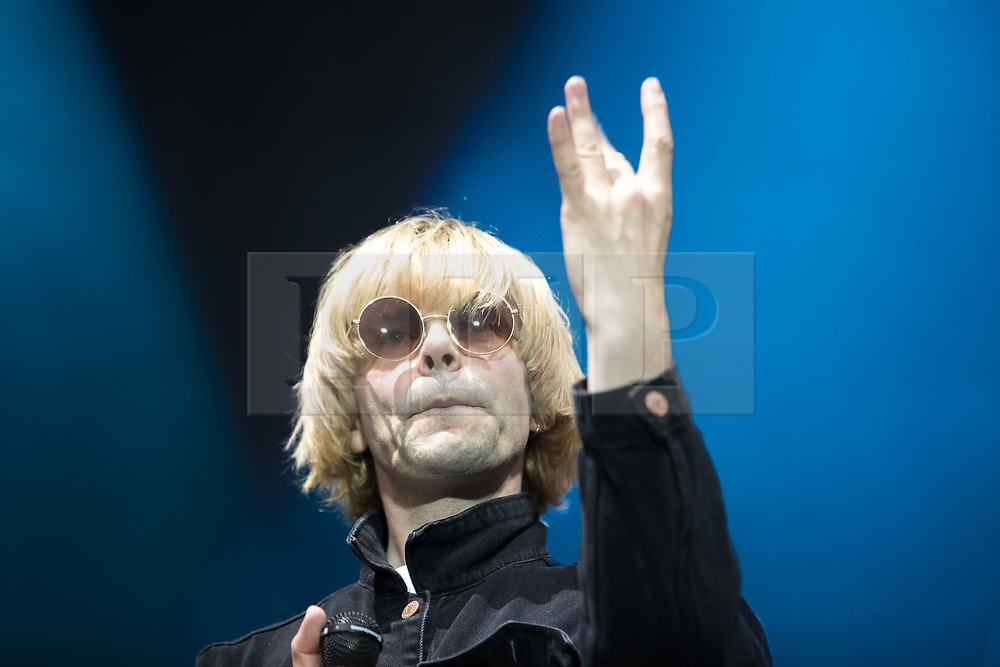 © Licensed to London News Pictures . 27/05/2017 . Manchester , UK . TIM BURGESS with The Charlatans on stage . Manchester music line up , featuring Courteeners , Charlatans , Blossoms and Cabbage , at the Emirates Old Trafford Stadium . Photo credit : Joel Goodman/LNP