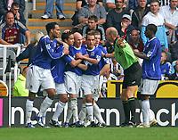 Photo: Andrew Unwin.<br /> Newcastle United v Everton. The Barclays Premiership. 24/09/2006.<br /> Everton celebrate Tim Cahill's goal.
