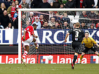 Photo: Chris Ratcliffe.<br />Charlton Athletic v Brentford. The FA Cup. 18/02/2006.<br />Darren Bent (L) scores the first goal for Charlton.