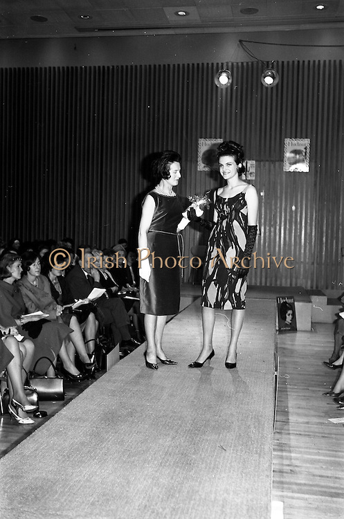 12/02/1964<br /> 02/12/1964<br /> 12 February 1964<br /> Presentations of Richard Hudnut cosmetics to Model at the Muckross Fashion Show in the Intercontinental Hotel, Dublin.