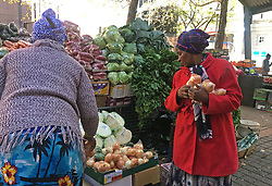 JOHANNESBURG, April 18, 2020  A citizen buys vegetables at a stall in Johannesburg, South Africa, April 17, 2020. South Africa registered 178 new confirmed COVID-19 cases on Friday, the sharpest rise for a single day since the country recorded its first confirmed case on March 5, according to the Health Ministry. .   As of 4:00 a.m. Saturday local time, the country reported 2,783 confirmed cases and 50 deaths, according to a Johns Hopkins University tally. (Photo by Zodidi MhlanaXinhua) (Credit Image: © Xinhua via ZUMA Wire)