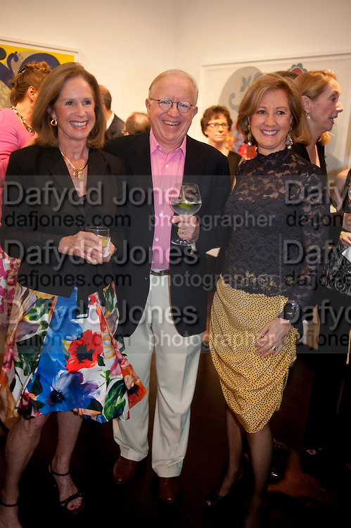 JENNIFER SIMS; BOB ARNOLD; LINDA ARNOLD, Galen and Hilary Weston host the opening of Beatriz Milhazes Screenprints. Curated by Iwona Blazwick. The Gallery, Windsor, Vero Beach, Florida. Miami Art Basel 2011