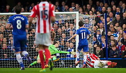26.01.2014, Stamford Bridge, London, ENG, FA Cup, FC Chelsea vs Stoke City, 4. Runde, im Bild Chelsea's Oscar dos Santos Emboaba Junior hits the post against Stoke City // during the English FA Cup 4th round match between Chelsea FC and Stoke City FC at the Stamford Bridge in London, Great Britain on 2014/01/26. EXPA Pictures © 2014, PhotoCredit: EXPA/ Propagandaphoto/ David Rawcliffe<br /> <br /> *****ATTENTION - OUT of ENG, GBR*****