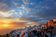 oia ( Ia )  Santorini  sunset- Greek Cyclades islands - Photos, pictures and images .<br /> <br /> If you prefer to buy from our ALAMY PHOTO LIBRARY  Collection visit : https://www.alamy.com/portfolio/paul-williams-funkystock/santorini-greece.html<br /> <br /> Visit our PHOTO COLLECTIONS OF GREECE for more photos to download or buy as wall art prints https://funkystock.photoshelter.com/gallery-collection/Pictures-Images-of-Greece-Photos-of-Greek-Historic-Landmark-Sites/C0000w6e8OkknEb8
