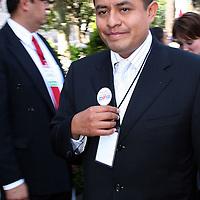 Toluca, Mex.- David Ulises Guzmán Palma, presidente municipal de Cuautitlán Izcalli llegando al recinto legislativo para presenciar el acto protocolario del tercer informe de gobierno. Agencia MVT / Etna Aguilar. (DIGITAL)<br /> <br /> <br /> <br /> NO ARCHIVAR - NO ARCHIVE